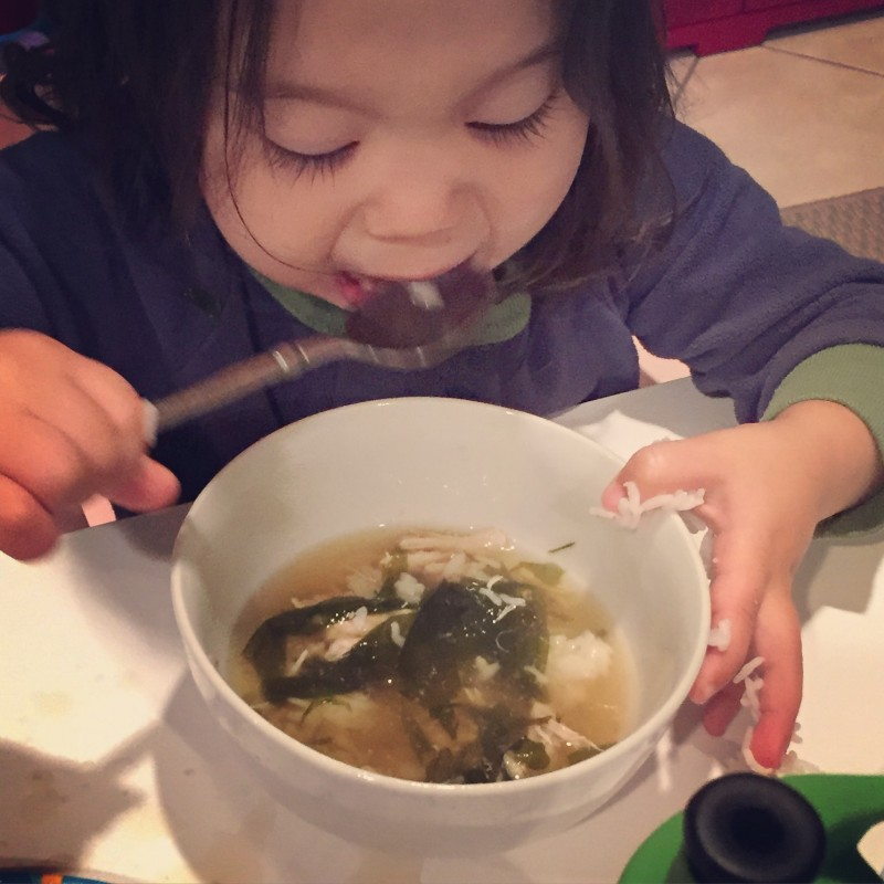 HOW TO ENCOURAGE KIDS TO EAT HEALTHY FOOD